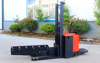 Anhui Yufeng Warehouse Equipment Company Specialized in Making Custom Made Forklift