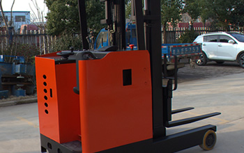 Precautions of Electric Forklift's Charge in Summer