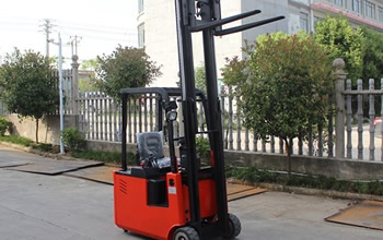 Difference between diesel forklift truck and electric forklift
